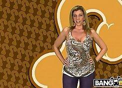 Brunette MILF Sara Jay Blow-Fcking Like Hell