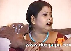 Amateur Indian sex video girl with a big dildo