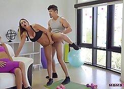 Club slut tennis trainer Jasmine Jae Threesome