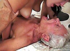 College girl sucking cock on a hidden cam
