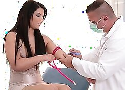 Babe Punished By Doctor for Being Naughty On Gearacc