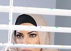 Arabic Pornstar Ropa Elle Fucks strangers with nice Tits
