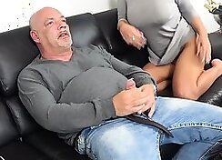 Husband finds his girlfriend cheating